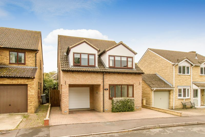 Dovehouse Close Eynsham