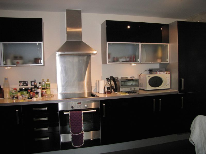 Contemporary Fitted Kitchen