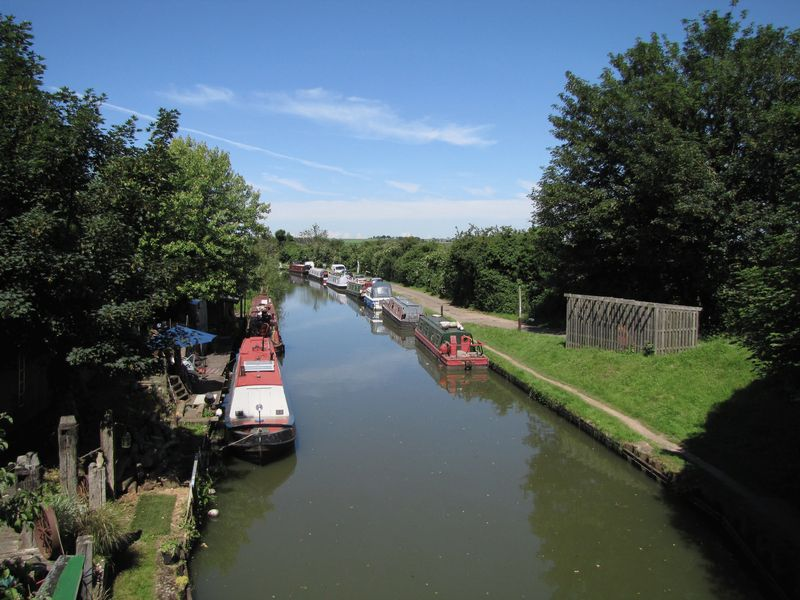 Canal Close By