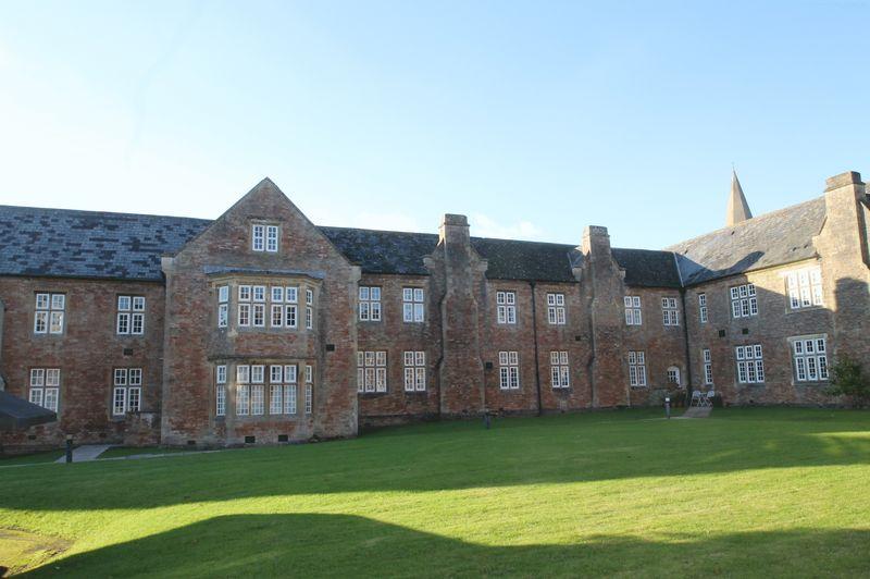 Lower Chapel Court