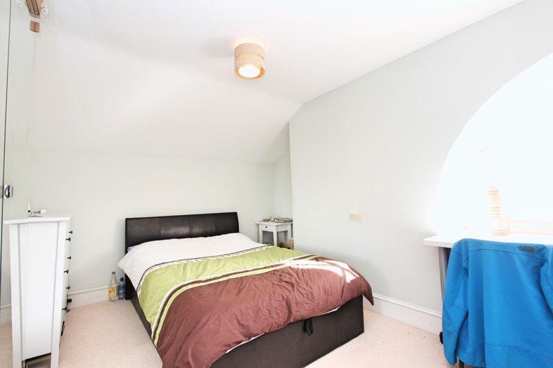 Room 6 £525