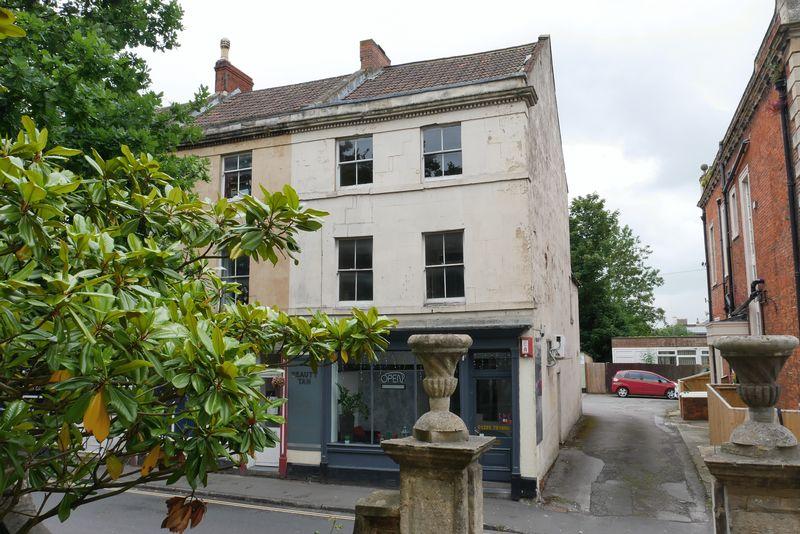 Roundstone Street