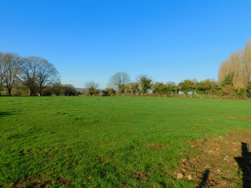 Tadley Meadow Critch Hill