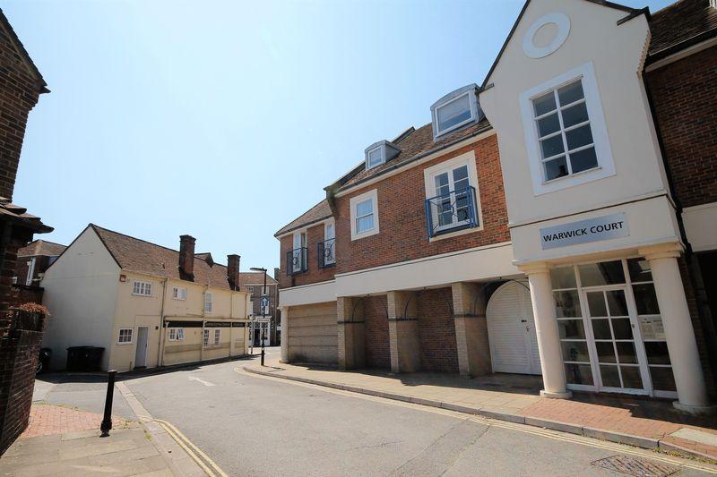 Warwick Court