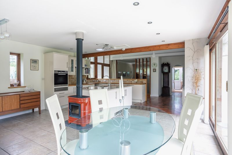 Open Plan Family & Kitchen Area