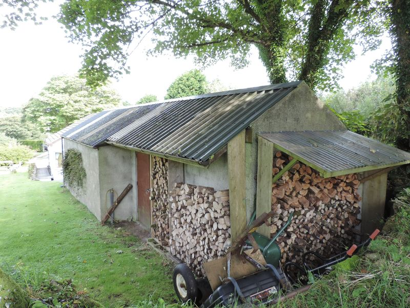 Log store and workshop