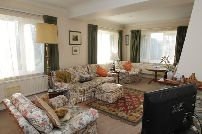 Double aspect sitting room