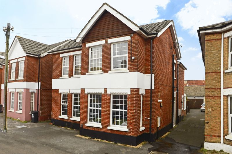18 Wolverton Road