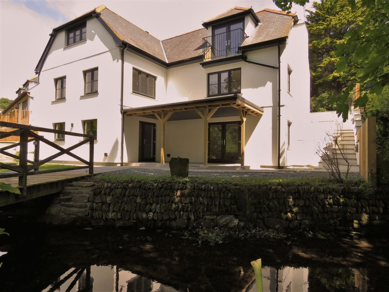 House and Stream