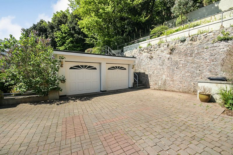 Double Garage & Driveway