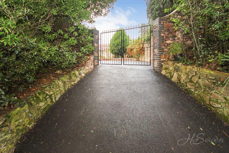Furzehill Road