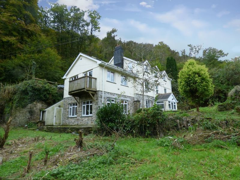 5 Bedrooms Property for sale in Gunnislake, Cornwall