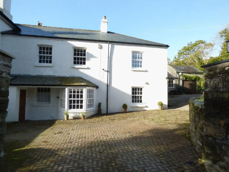 4 Bedrooms Property for sale in Tavistock, Devon