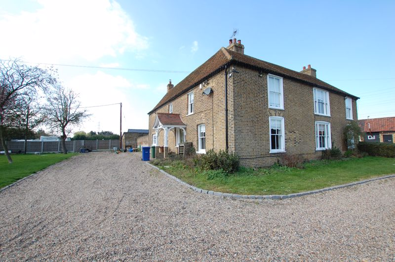 Walton Hall Road Linford