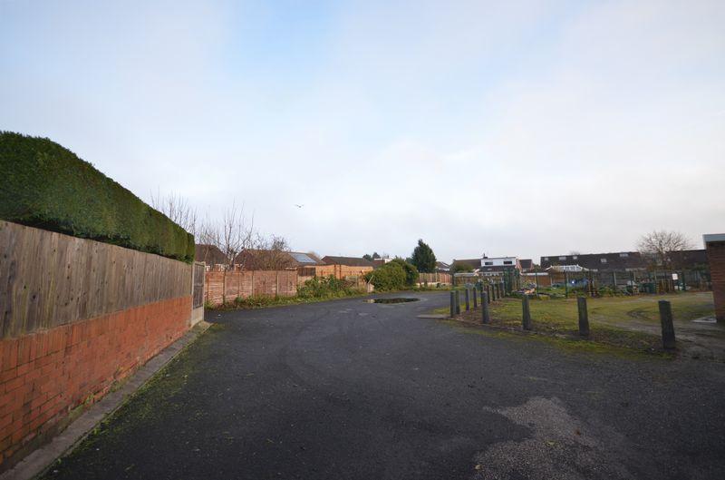 Holts Lane