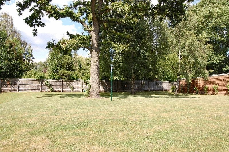 92-94 Holden Road Woodside Park
