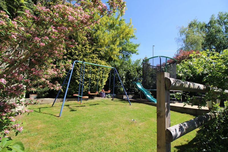 Brockmoor Close