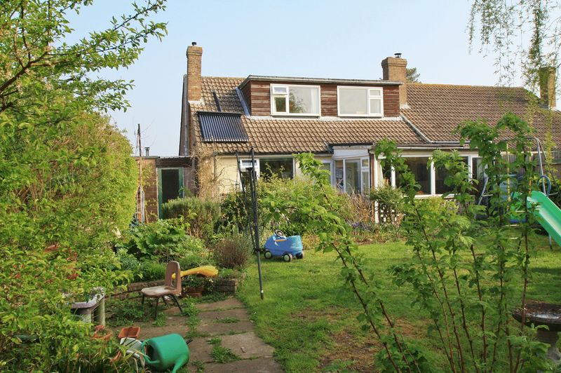 3 Bedrooms Property for sale in Kennedy Crescent, Cholsey, Wallingford