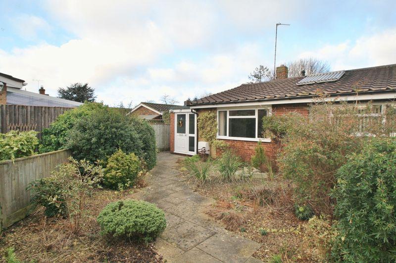 2 Bedrooms Property for sale in The Moorlands, Benson, Wallingford