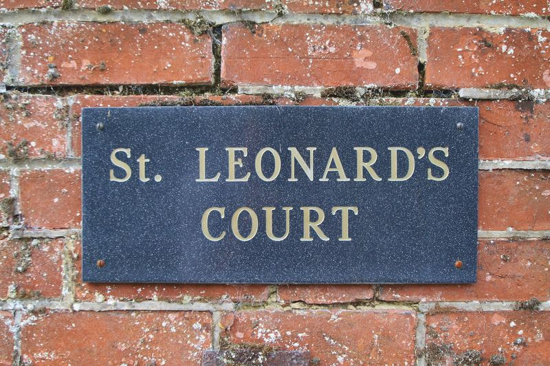 St Leonards Court, Reading Road