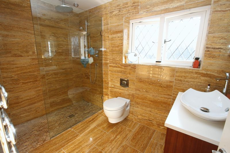 A stunning En Suite Wet room