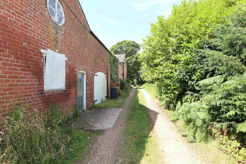 Back Lane Somerford