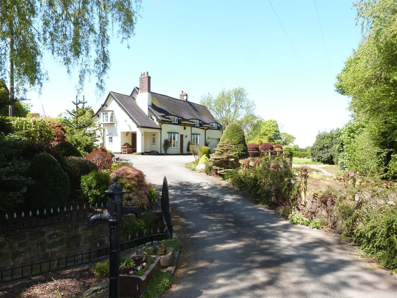 Mow Lane Astbury