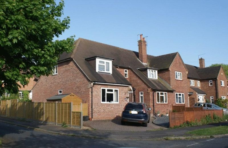 4 Bedrooms Property for sale in Orchard Estate, Twyford