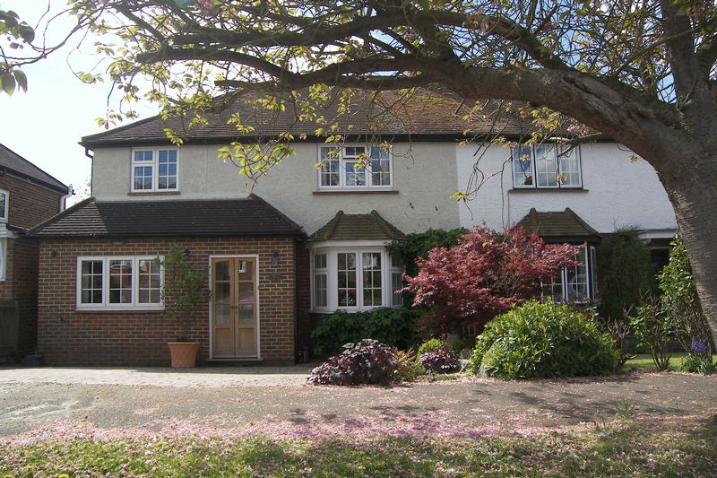 Simmil Road Claygate
