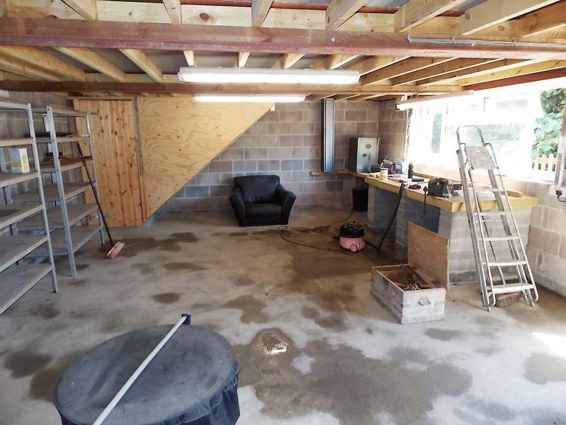 Barn/Garage Ground Floor