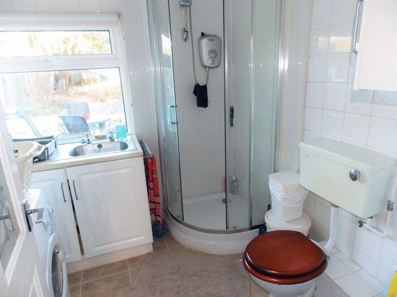 GF Shower Room & Utility