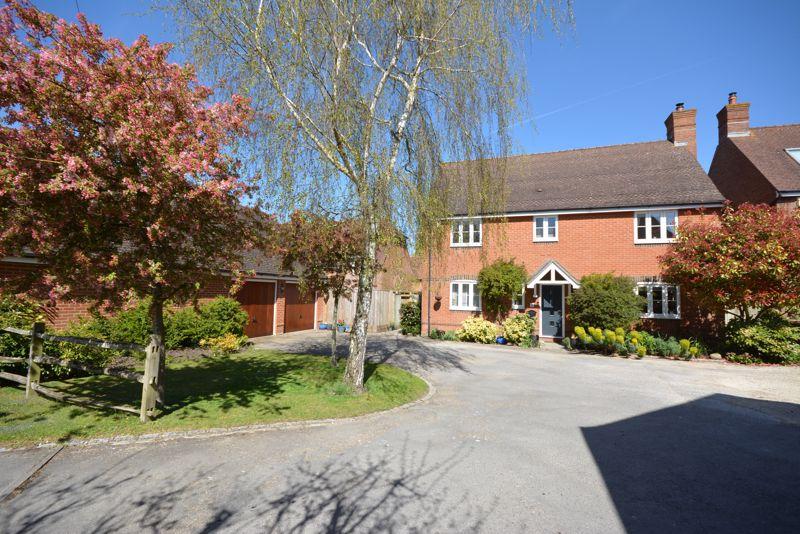 Whitehorns Farm Road, Charlton