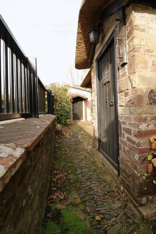 Cottage door feature