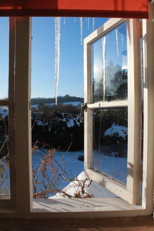 Winter bedroom feature