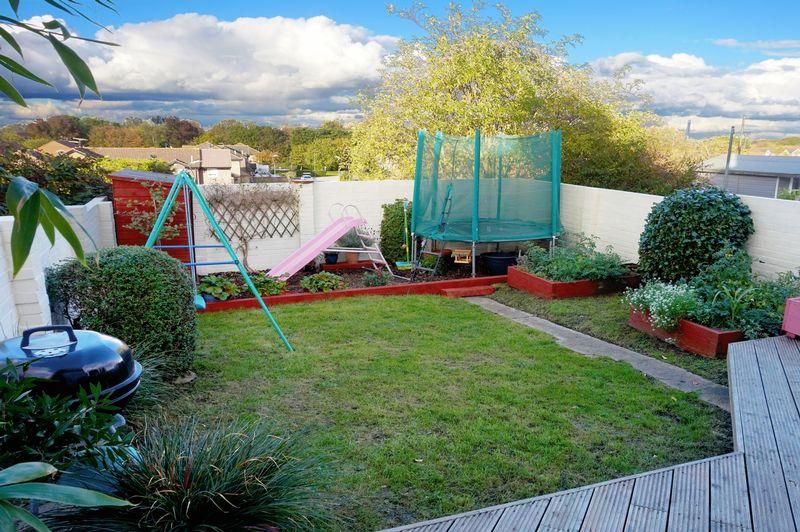 Elstree Gardens