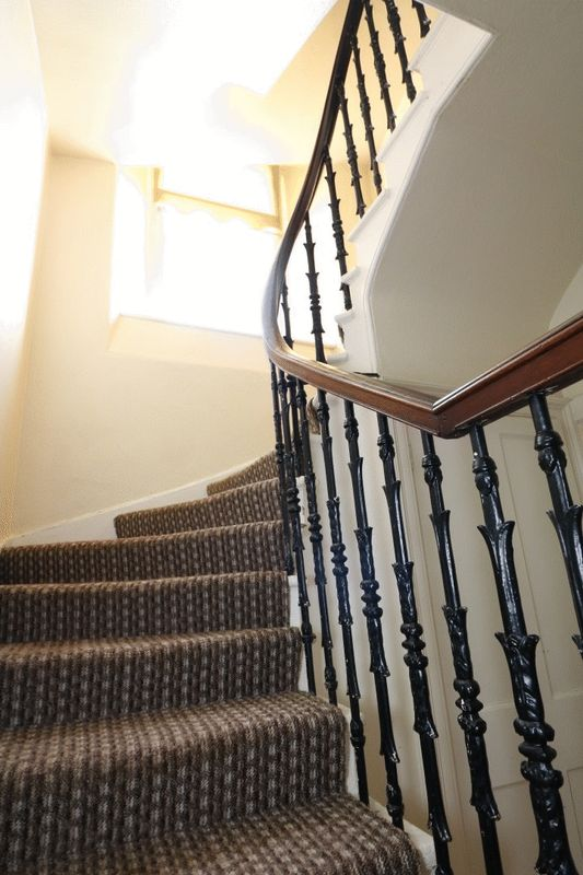 Wrought Iron Spindles to 1st Floor
