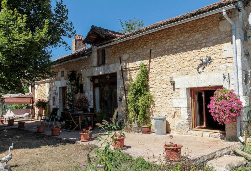 Near Saint-Pierre-du-Côle, Dordogne