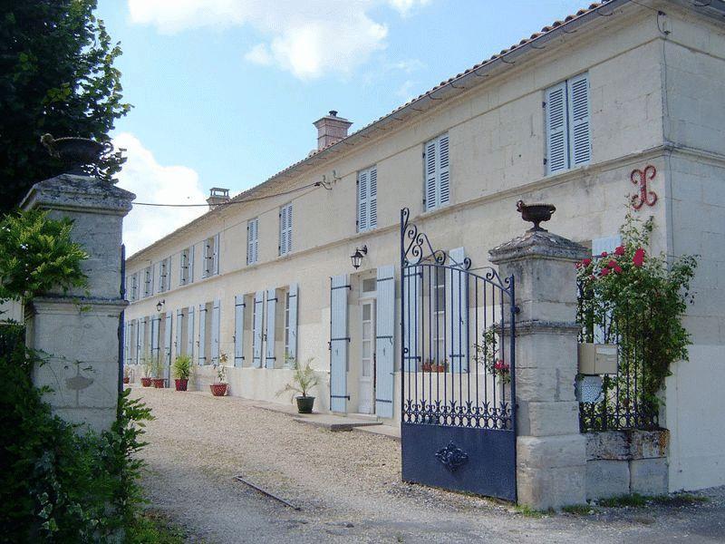 Near Saint-Ciers-du-Taillon, Charente-Maritime