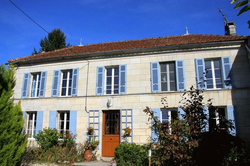 Near Jonzac, Charente-Maritime