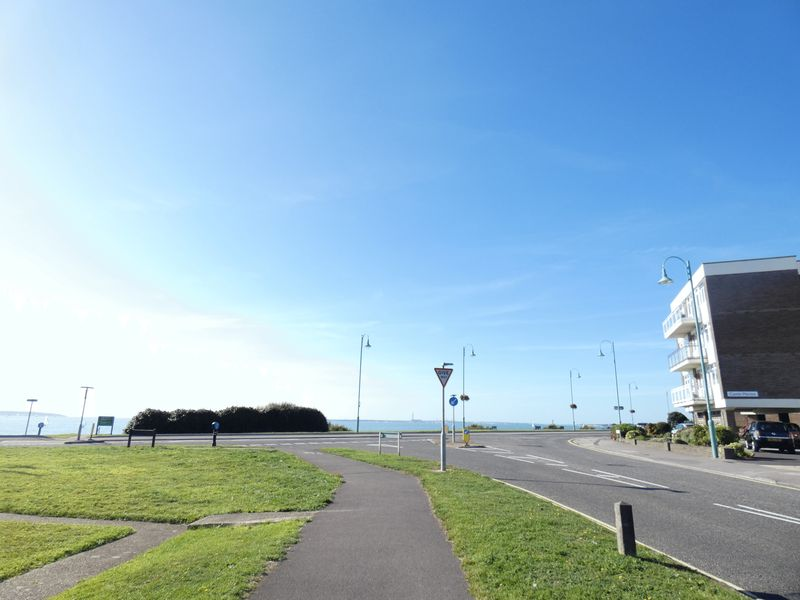 Marine Parade East Lee-on-The -Solent