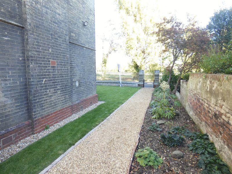 2 Spring Garden Lane