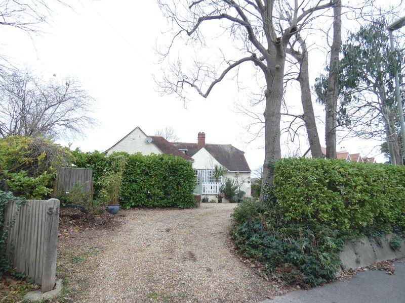 33 Crofton Lane Hill Head
