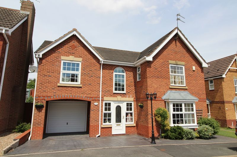 Sulgrave Close Earls Keep
