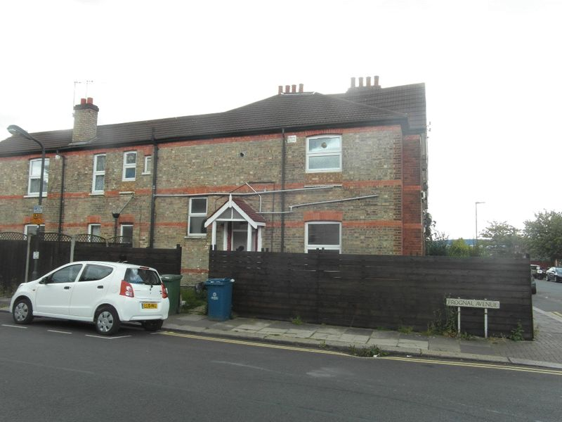 Rosslyn Crescent