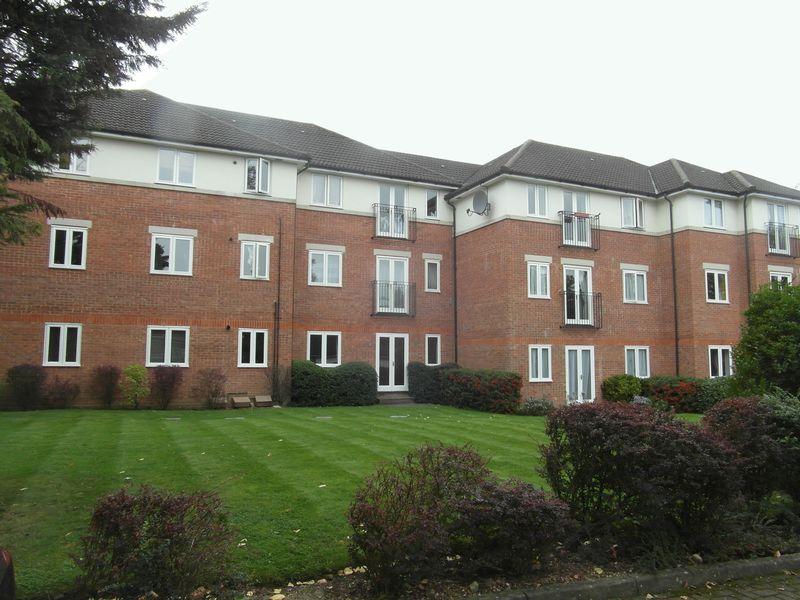 Hampden Court, Hide Road
