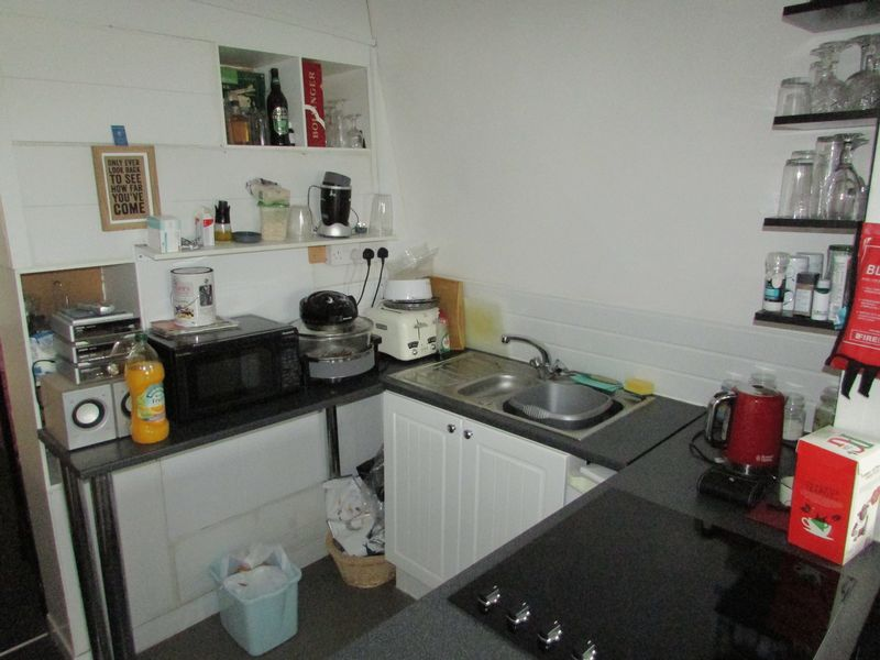 Flat 4 kitchen
