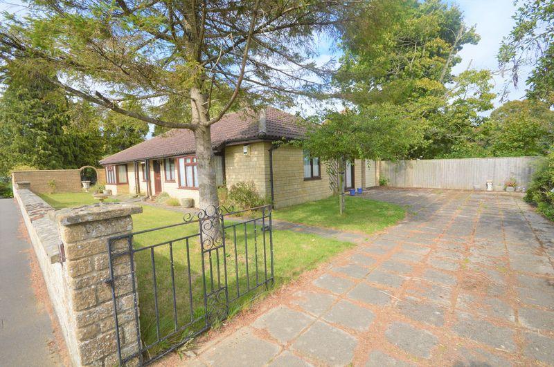 1B, Wraxhill Road