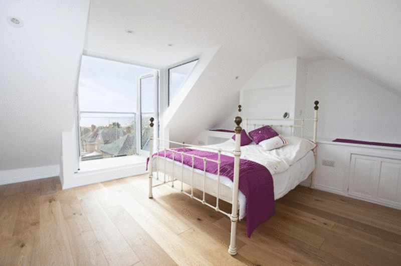Master Bedroom With Sea  Views And Adjoining Balco