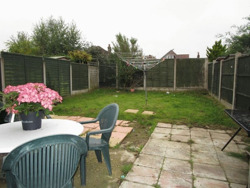 Tincleton Gardens Muscliff