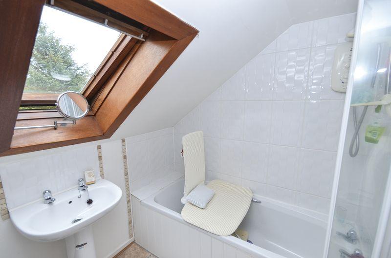 En-Suite (to bedroom 3)
